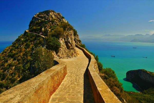 11.) Cap Carbon Paths (Algeria): The Carbon Cap is an algerian cape located in Wilaya de Bejaia, north of the port of Bejaia. Visitors who come to this place can enjoy the long winding trails carved into the rock of the peninsula with great views to the Mediterranean Sea.