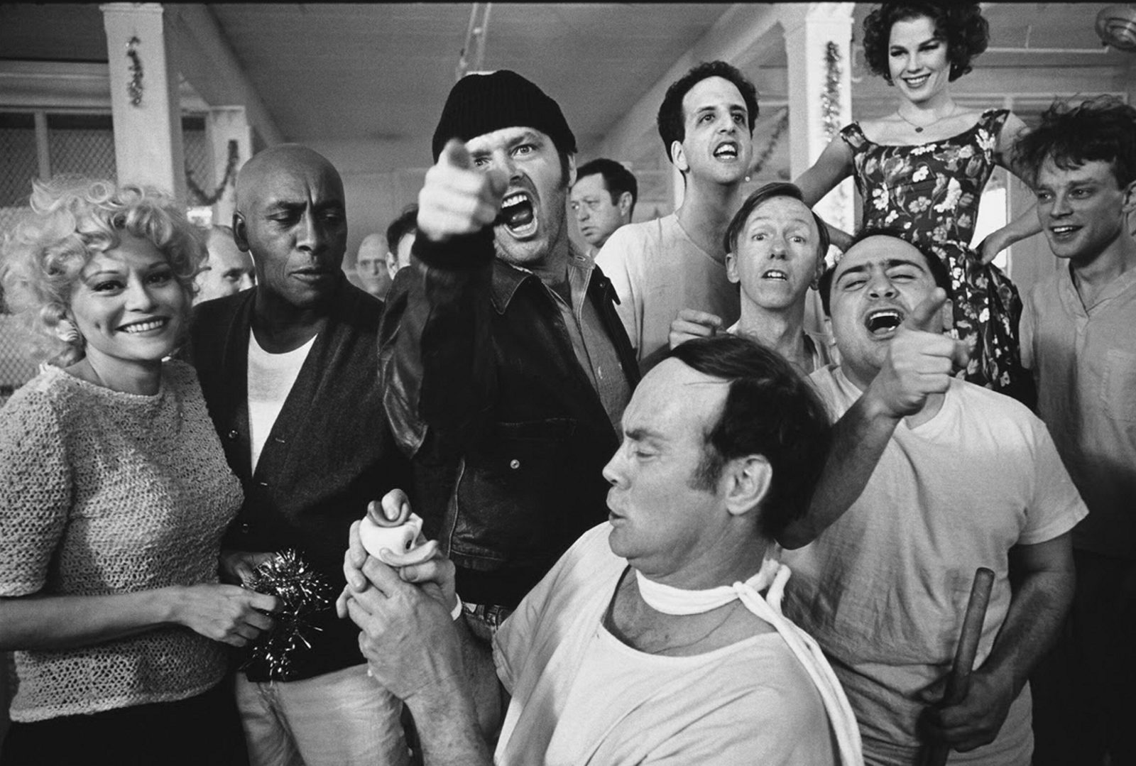 One-Flew-Over-the-Cuckoos-Nest-Cast-1974